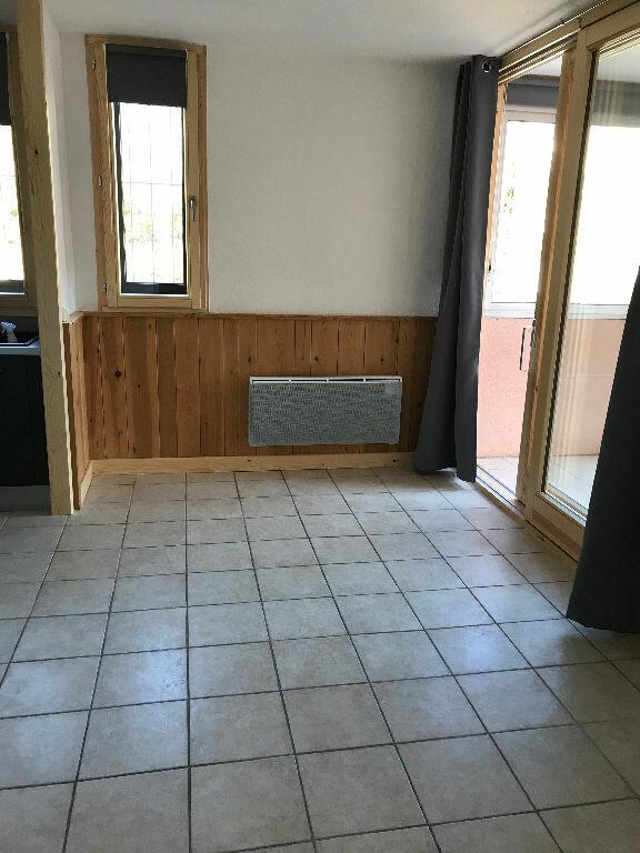 Appartement à louer 1 30m2 à Gréoux-les-Bains vignette-5