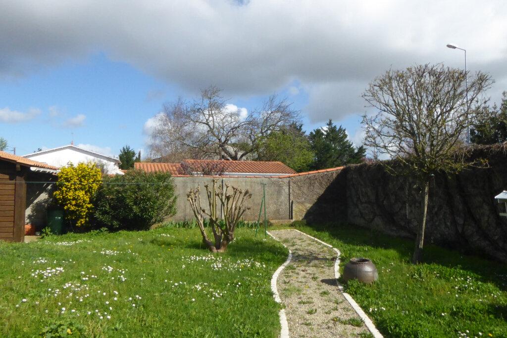 Maison à vendre 6 153.88m2 à La Rochelle vignette-6