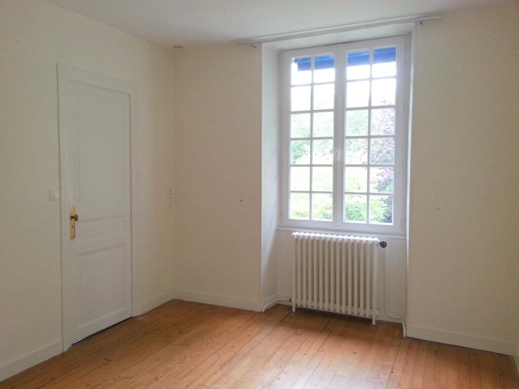 Appartement à louer 4 99m2 à Dompierre-sur-Mer vignette-5
