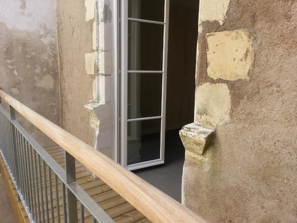 Appartement à louer 1 35m2 à La Rochelle vignette-5