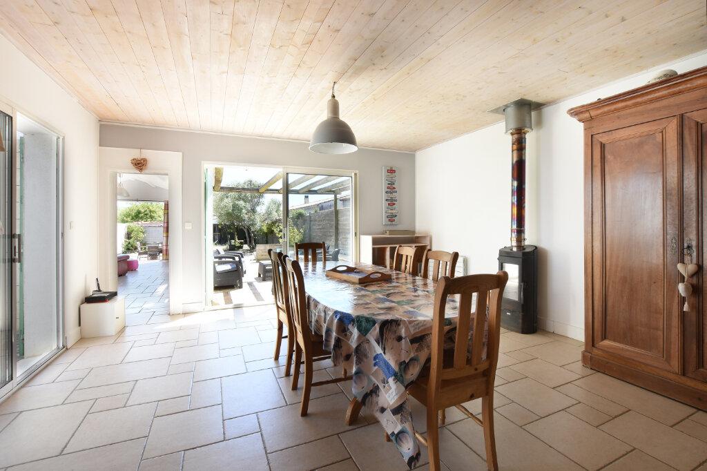 Maison à vendre 5 129.5m2 à Sainte-Marie-de-Ré vignette-3