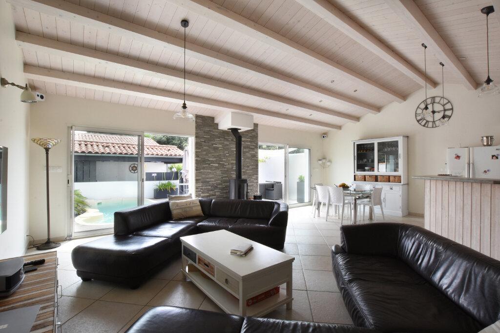 Maison à vendre 5 128m2 à Sainte-Marie-de-Ré vignette-2