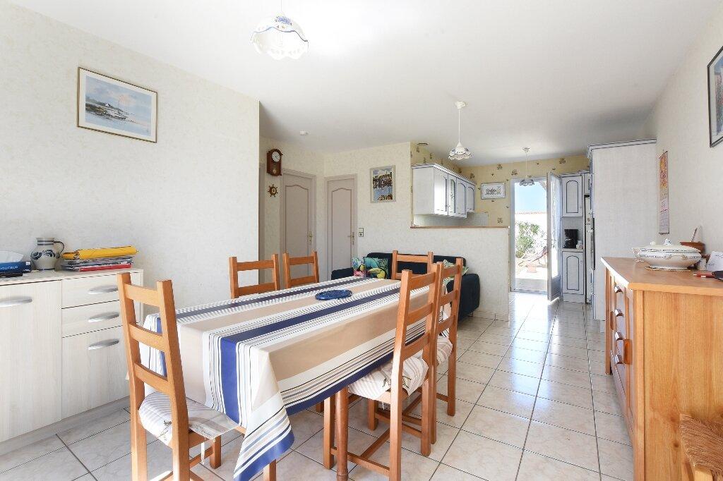 Maison à vendre 5 100m2 à Saint-Clément-des-Baleines vignette-3