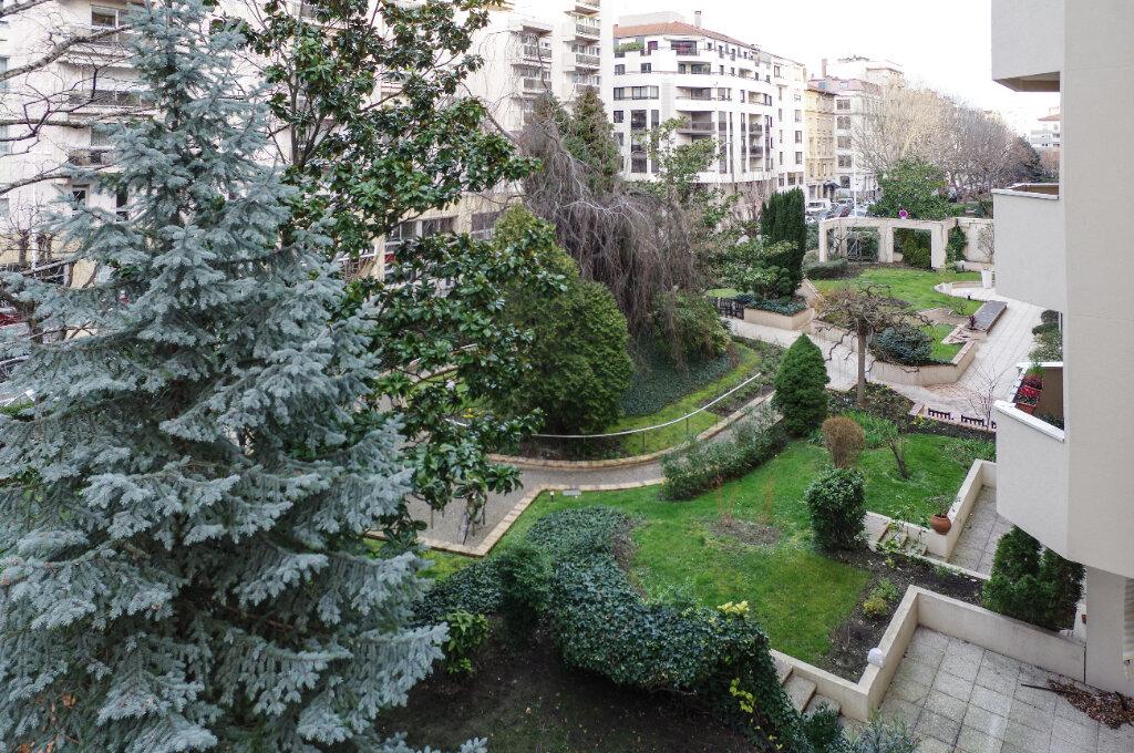 Appartement à vendre 2 52.94m2 à Lyon 6 vignette-6