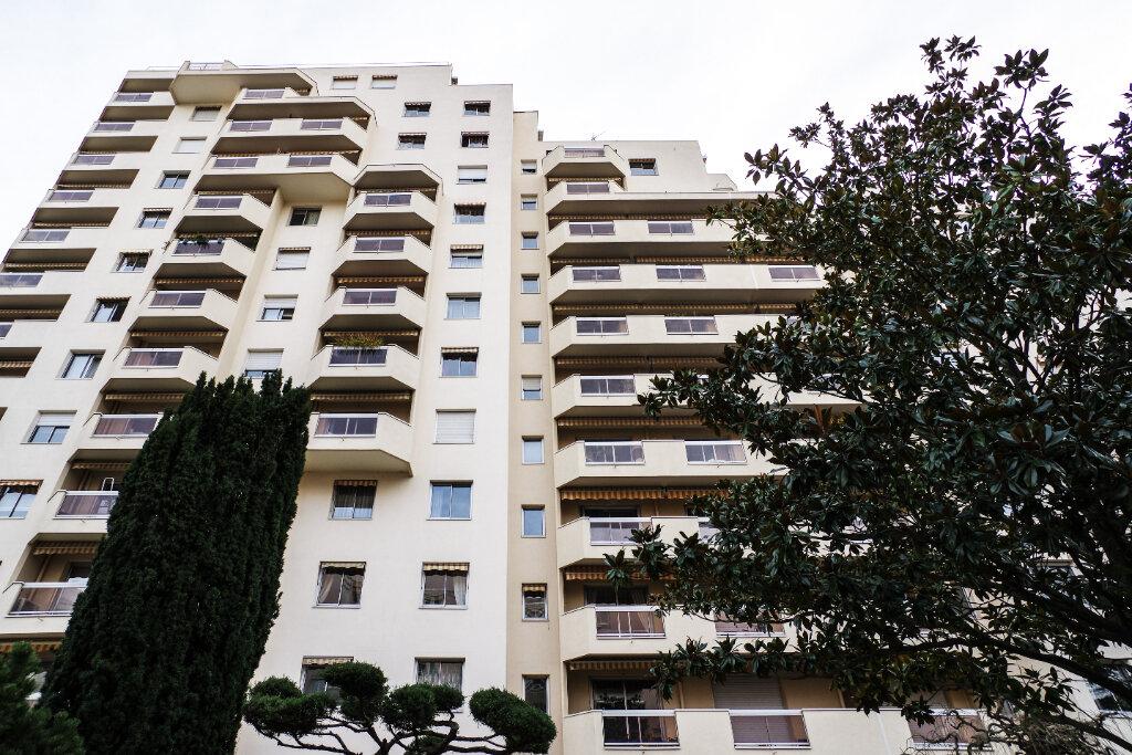 Appartement à vendre 2 52.94m2 à Lyon 6 vignette-12