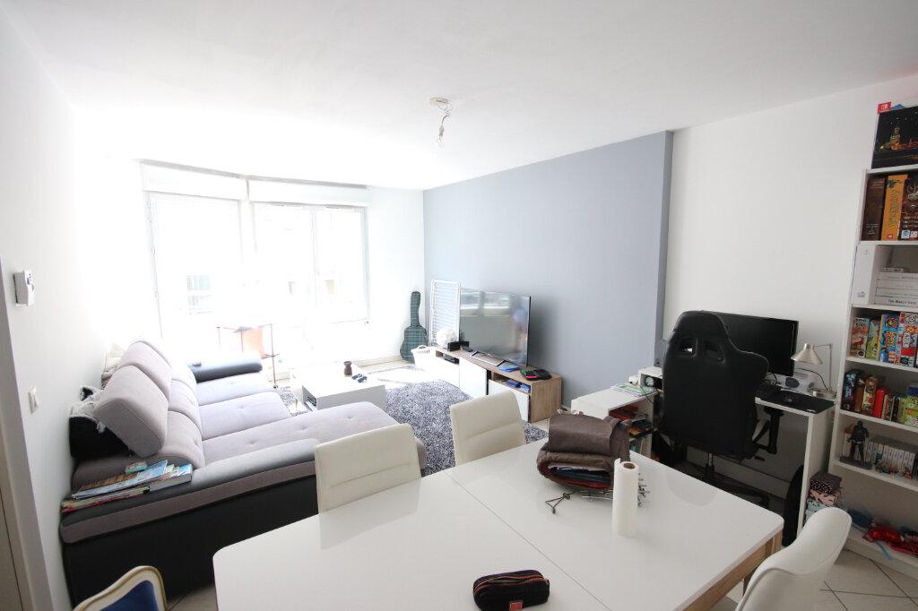 Appartement à vendre 3 64.76m2 à Lyon 9 vignette-1