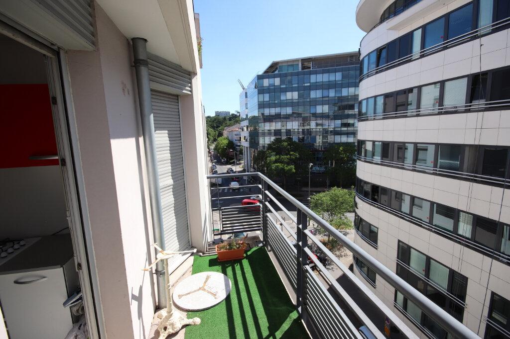 Appartement à vendre 3 64.76m2 à Lyon 9 vignette-6