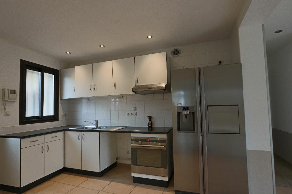 Appartement à louer 4 85m2 à Écully vignette-3