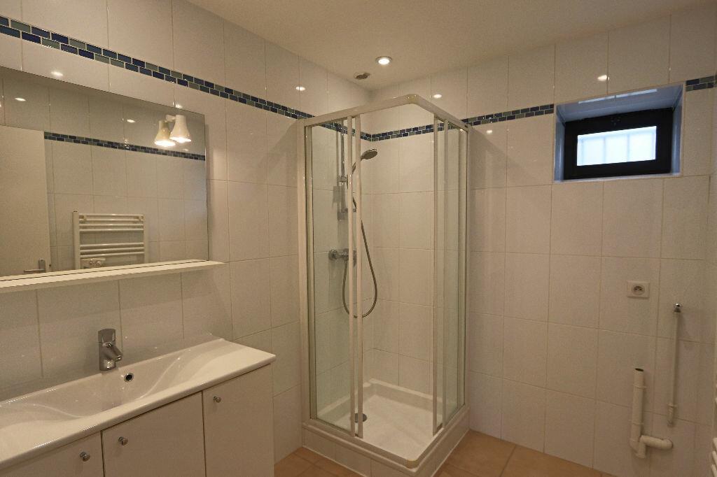 Appartement à louer 4 85m2 à Écully vignette-6