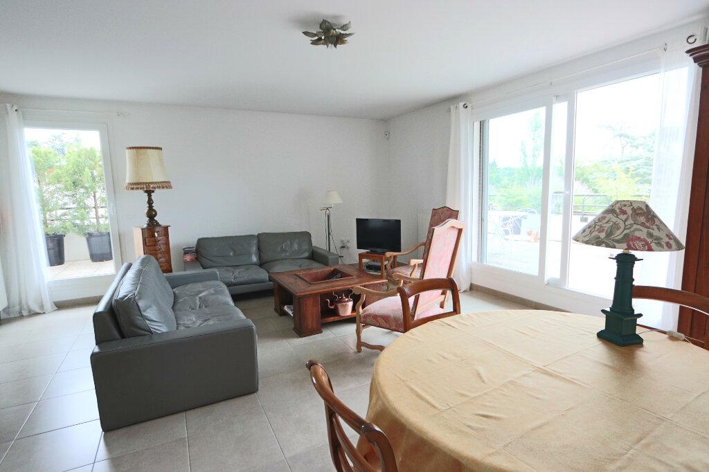 Appartement à vendre 6 130.97m2 à Charbonnières-les-Bains vignette-3