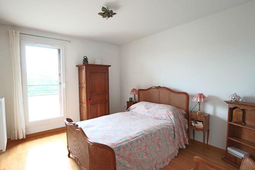 Appartement à vendre 6 130.97m2 à Charbonnières-les-Bains vignette-4