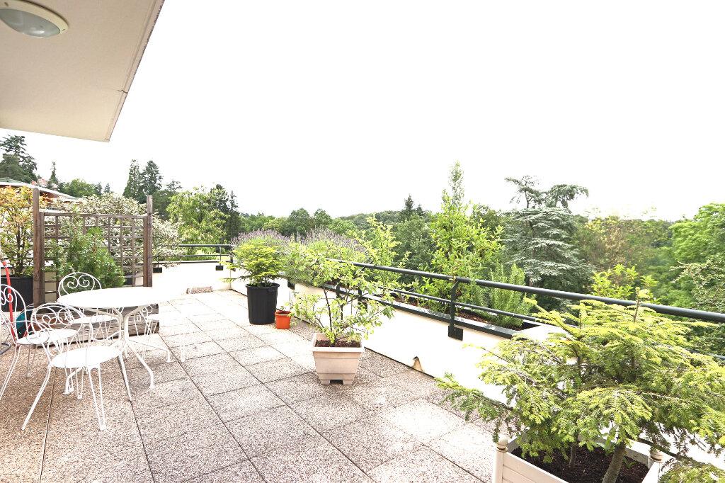 Appartement à vendre 6 130.97m2 à Charbonnières-les-Bains vignette-7