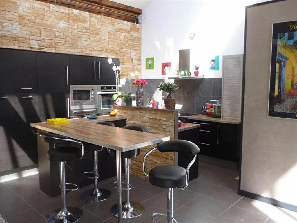 Appartement à louer 5 166m2 à Villefranche-sur-Saône vignette-3