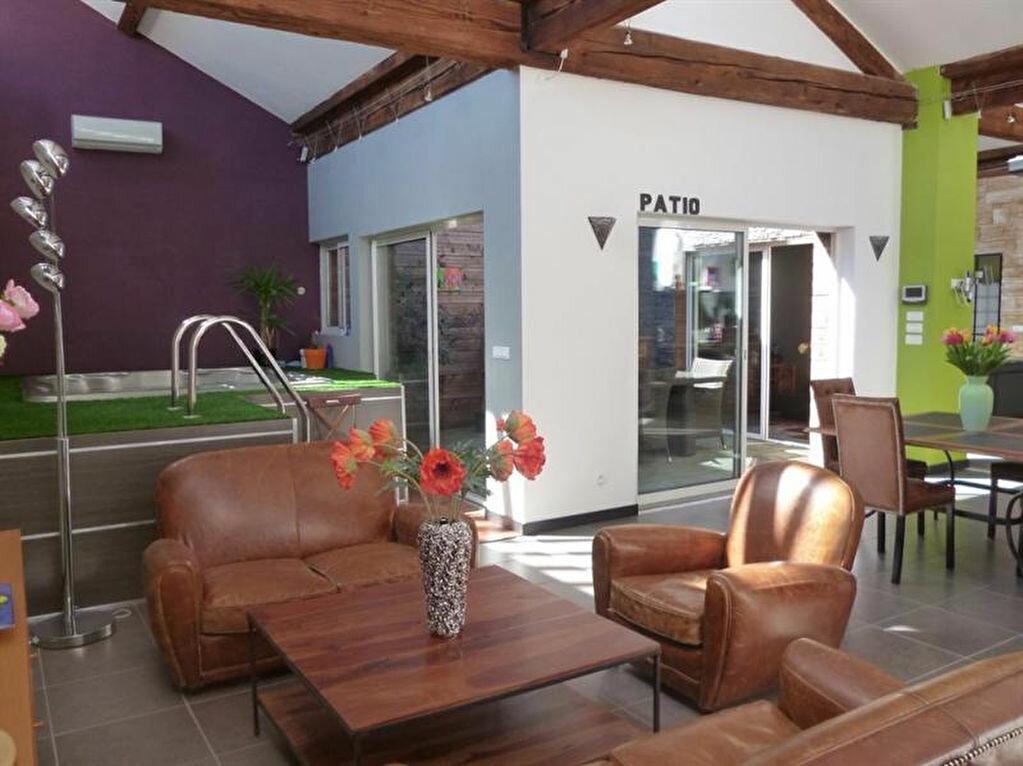 Appartement à louer 5 166m2 à Villefranche-sur-Saône vignette-4
