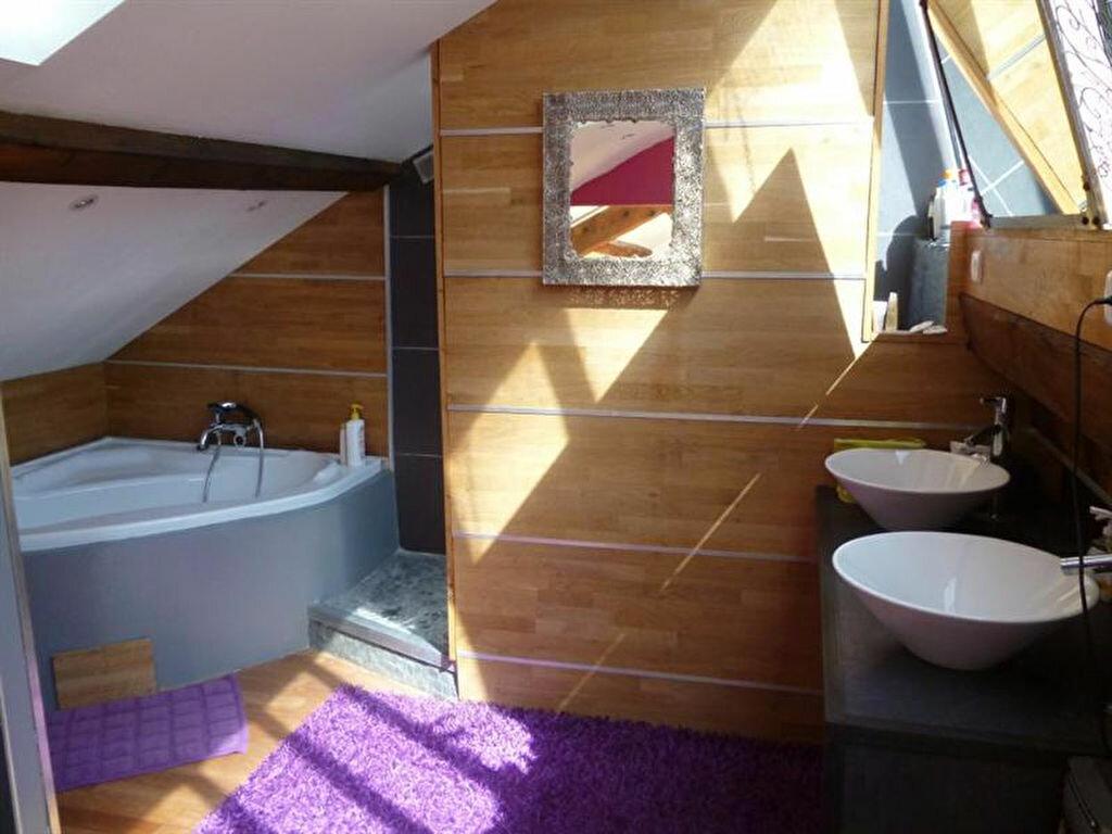 Appartement à louer 5 166m2 à Villefranche-sur-Saône vignette-10