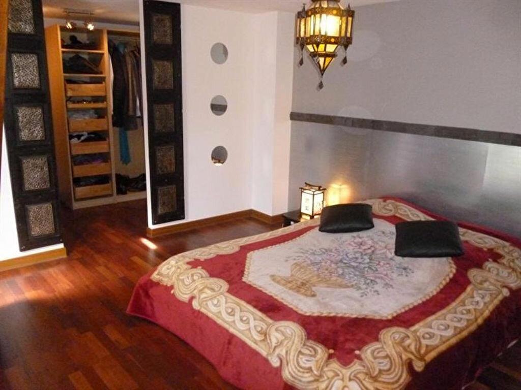 Appartement à louer 5 166m2 à Villefranche-sur-Saône vignette-11