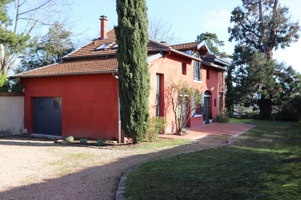 Maison à louer 6 160m2 à Écully vignette-2