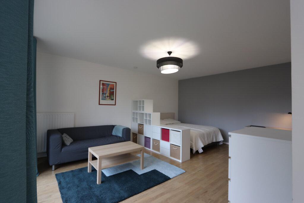 Appartement à louer 1 46m2 à Tassin-la-Demi-Lune vignette-1