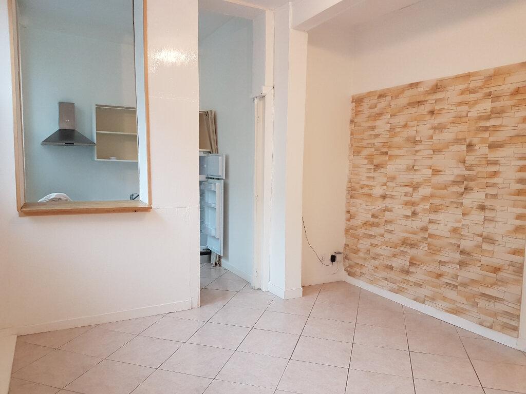 Appartement à louer 2 37.6m2 à L'Arbresle vignette-2