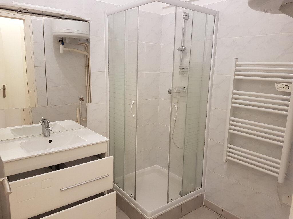 Appartement à louer 2 37.6m2 à L'Arbresle vignette-6
