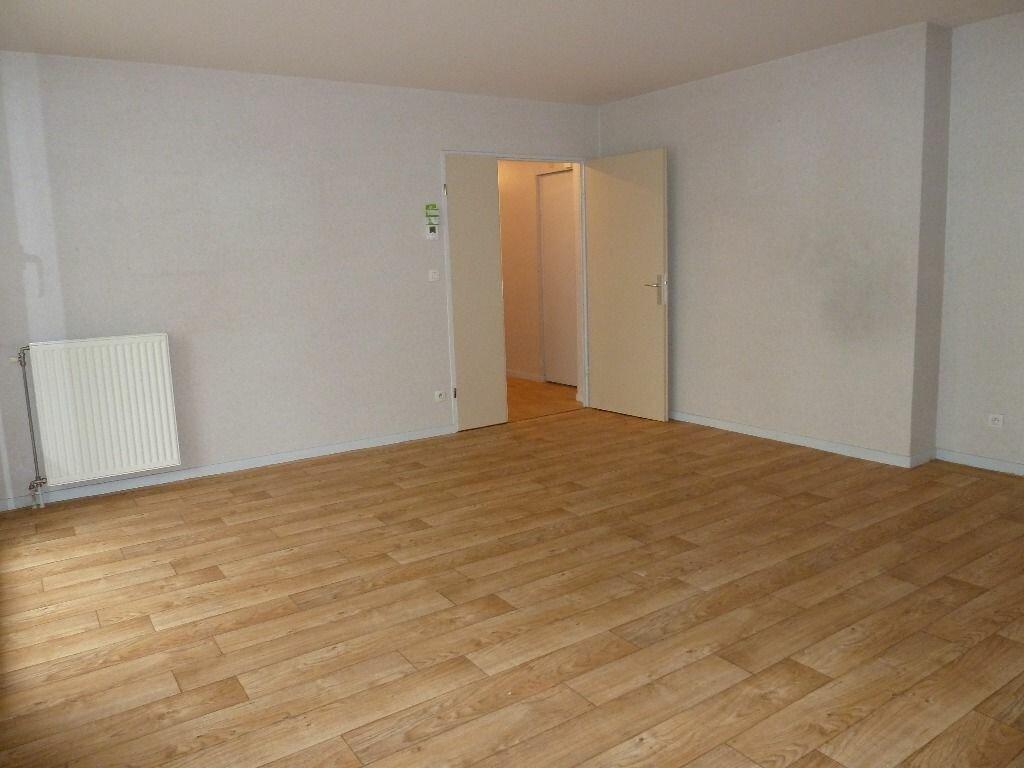Appartement à louer 3 71.69m2 à Évreux vignette-8