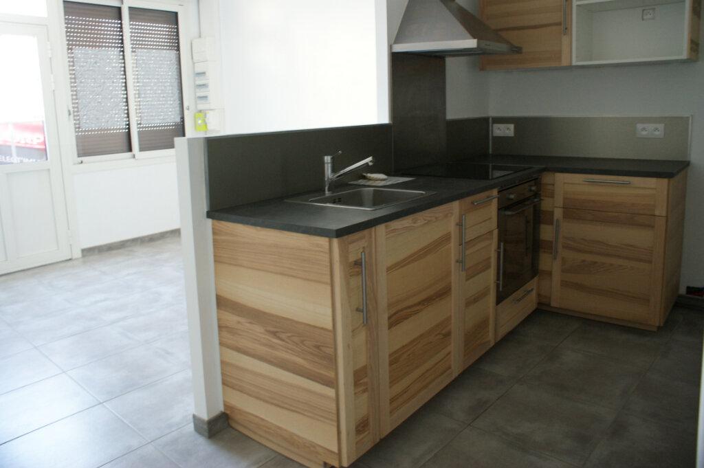 Appartement à louer 3 71.7m2 à Évreux vignette-1