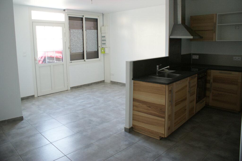 Appartement à louer 3 71.7m2 à Évreux vignette-3