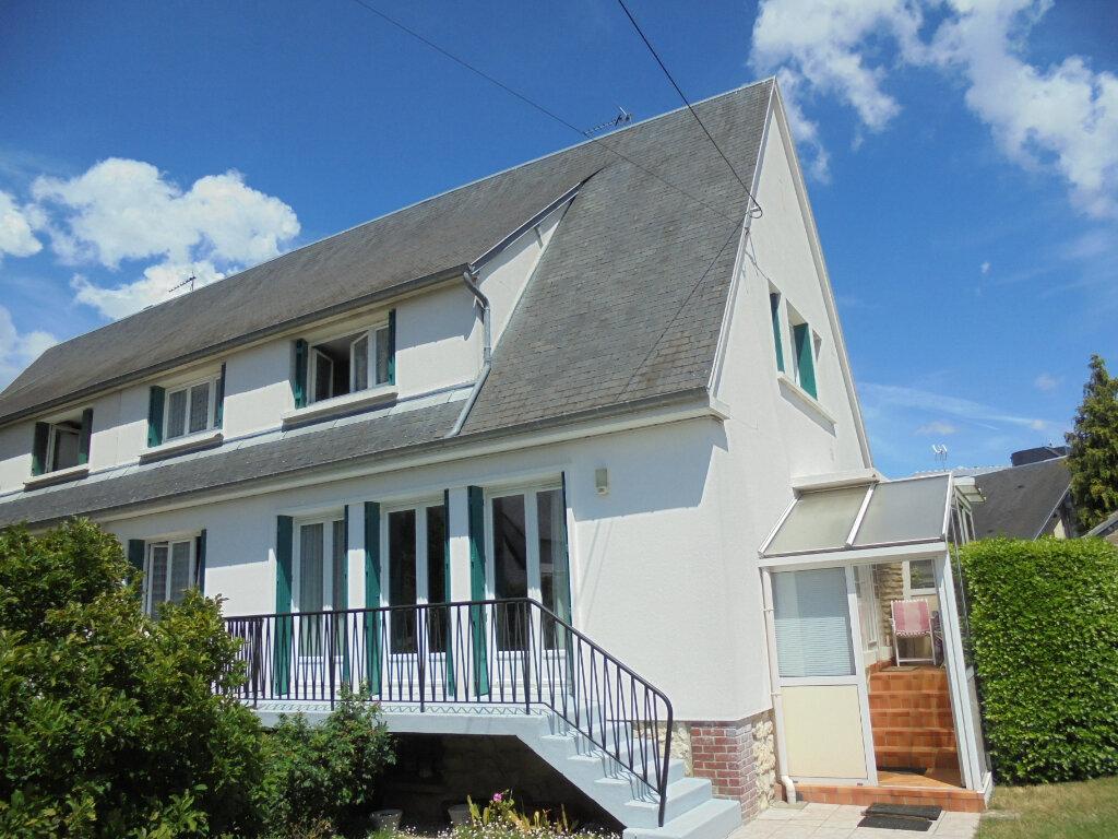 Maison à vendre 6 122.73m2 à Évreux vignette-1