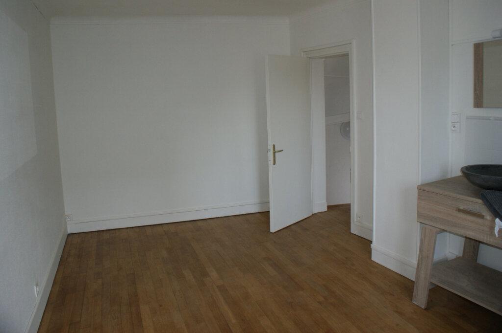 Appartement à louer 2 47m2 à Saint-André-de-l'Eure vignette-4