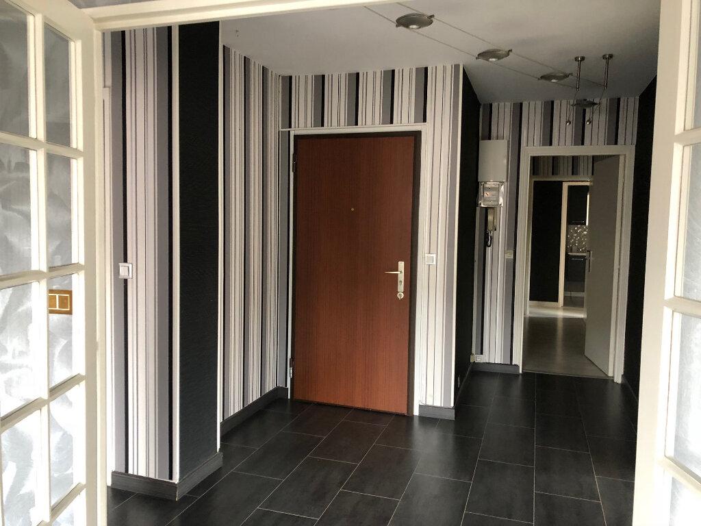 Appartement à vendre 5 108m2 à Évreux vignette-8