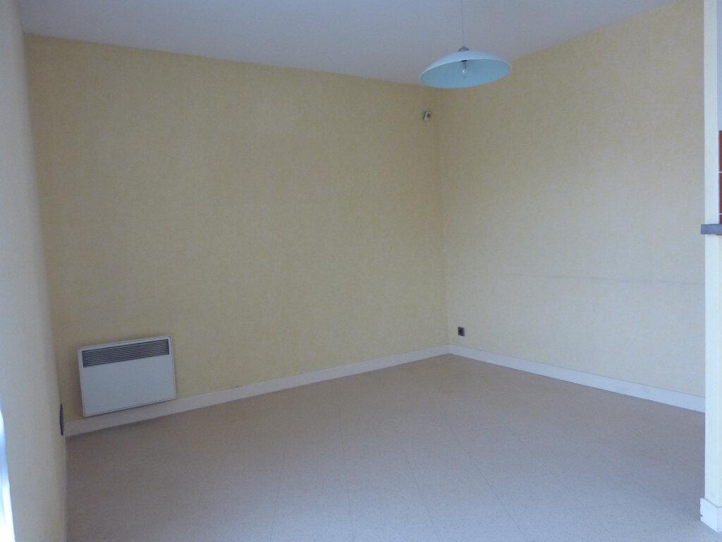 Appartement à louer 2 40m2 à Évreux vignette-2