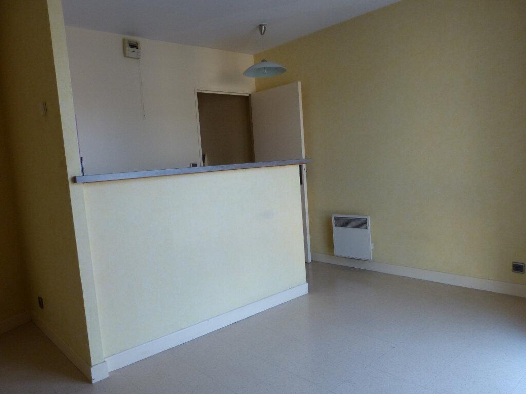 Appartement à louer 2 40m2 à Évreux vignette-3