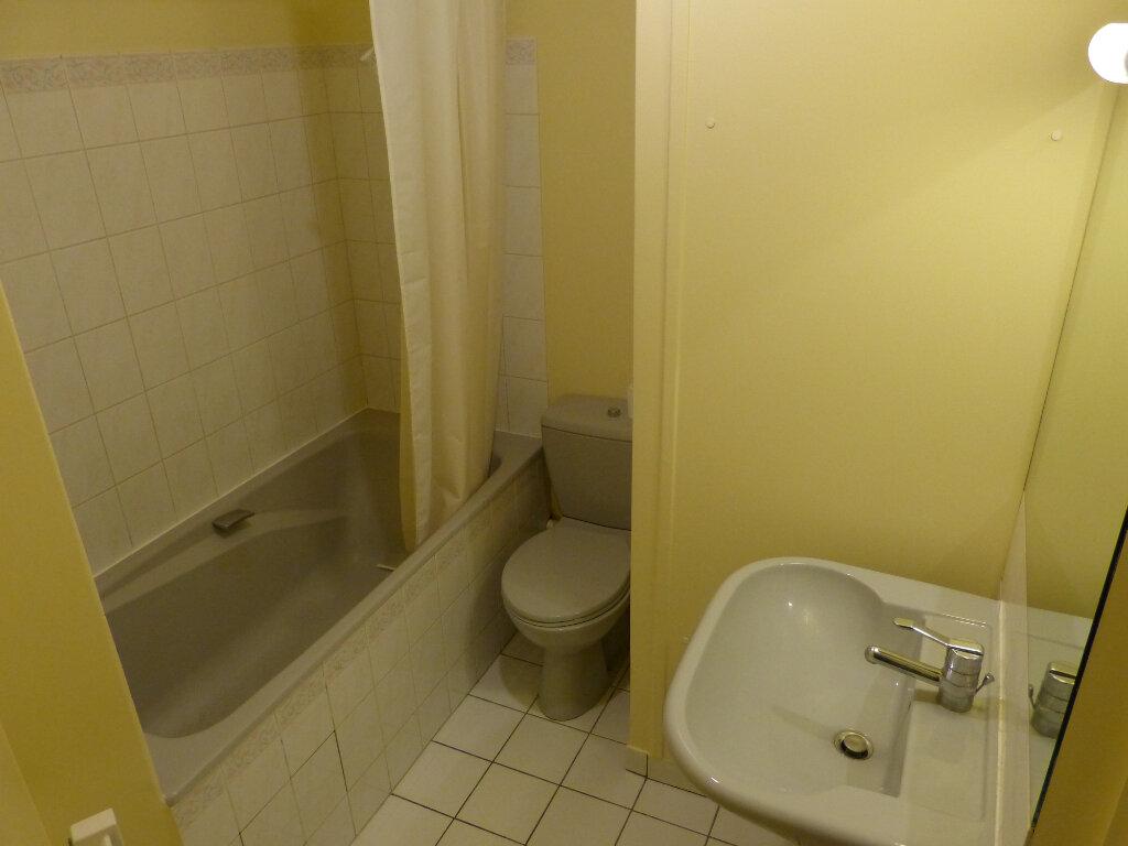 Appartement à louer 2 40m2 à Évreux vignette-6