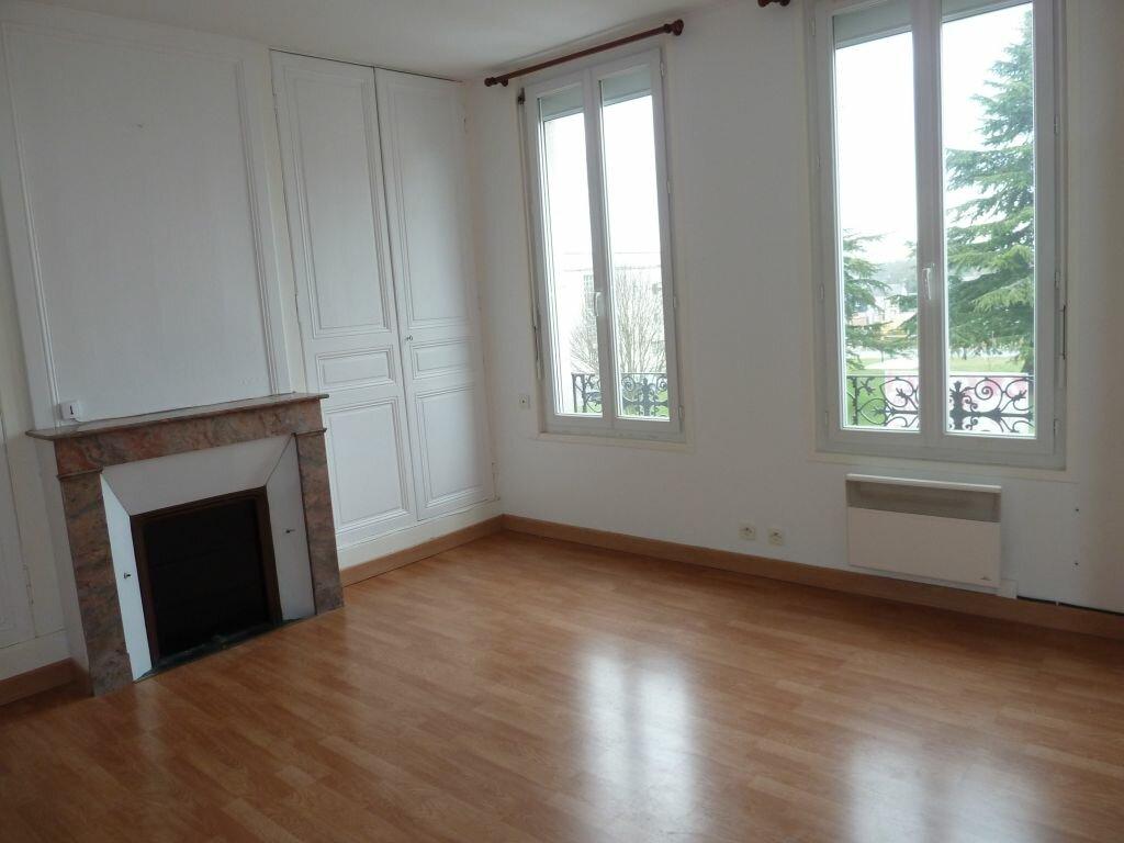 Appartement à louer 2 39m2 à Damville vignette-1