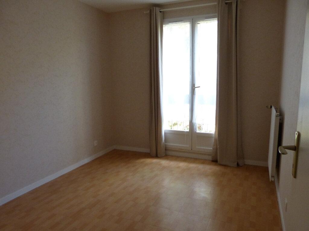 Appartement à louer 3 67.55m2 à Évreux vignette-5