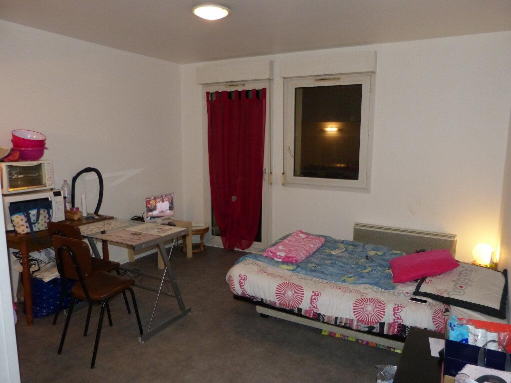 Appartement à louer 1 21.79m2 à Évreux vignette-2