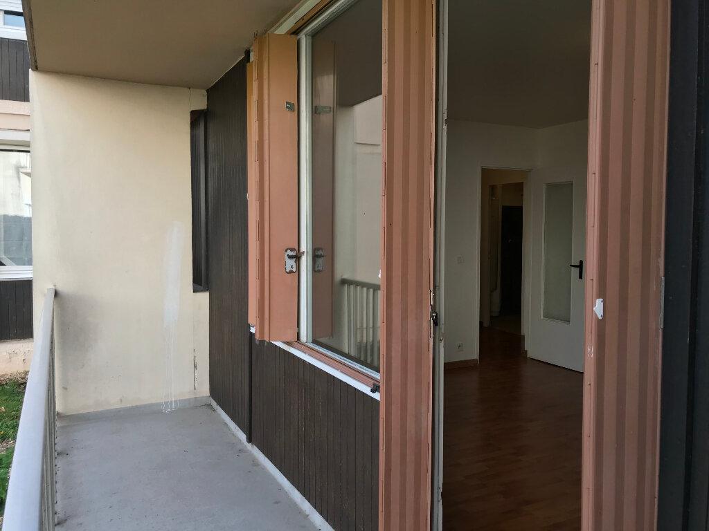 Appartement à louer 3 66.66m2 à Évreux vignette-4