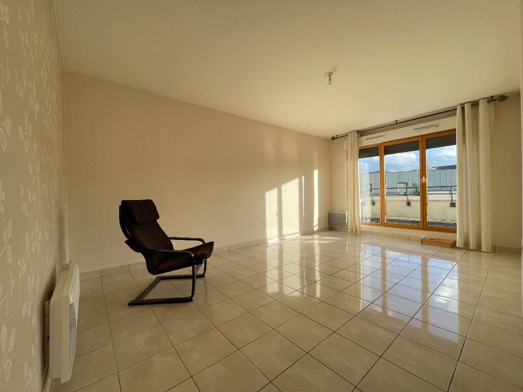 Appartement à louer 3 61.66m2 à Évreux vignette-2