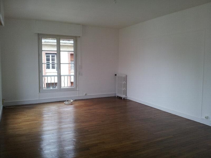 Appartement à louer 4 113m2 à Évreux vignette-2