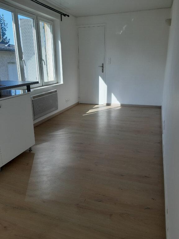 Appartement à louer 1 19m2 à Évreux vignette-3