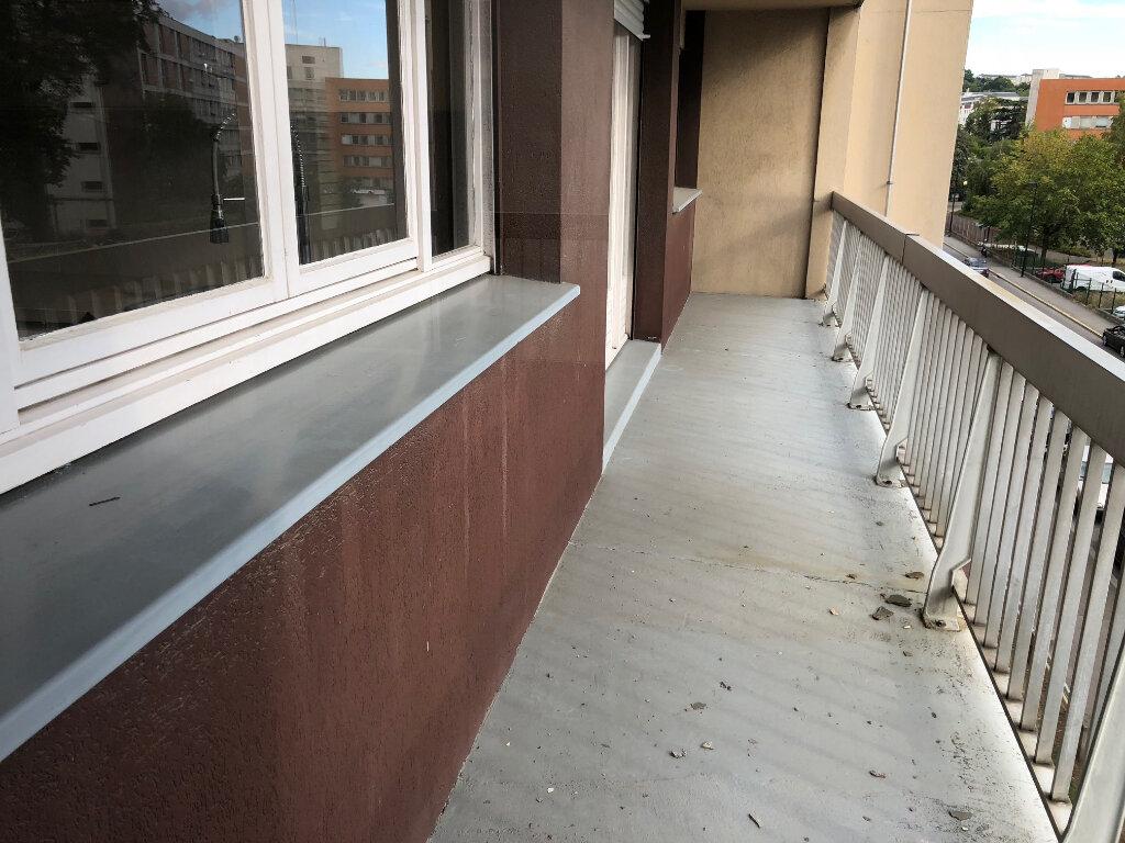 Appartement à louer 5 108m2 à Évreux vignette-3