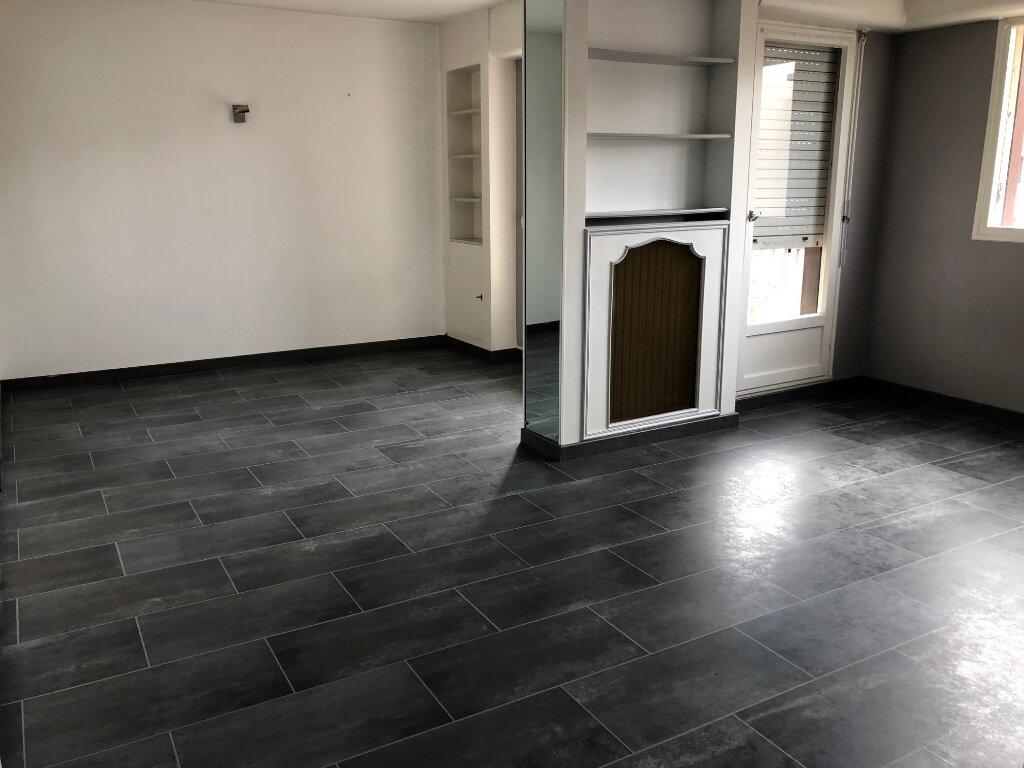 Appartement à louer 5 108m2 à Évreux vignette-4
