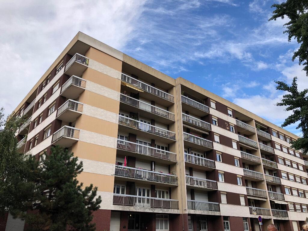 Appartement à louer 5 108m2 à Évreux vignette-6