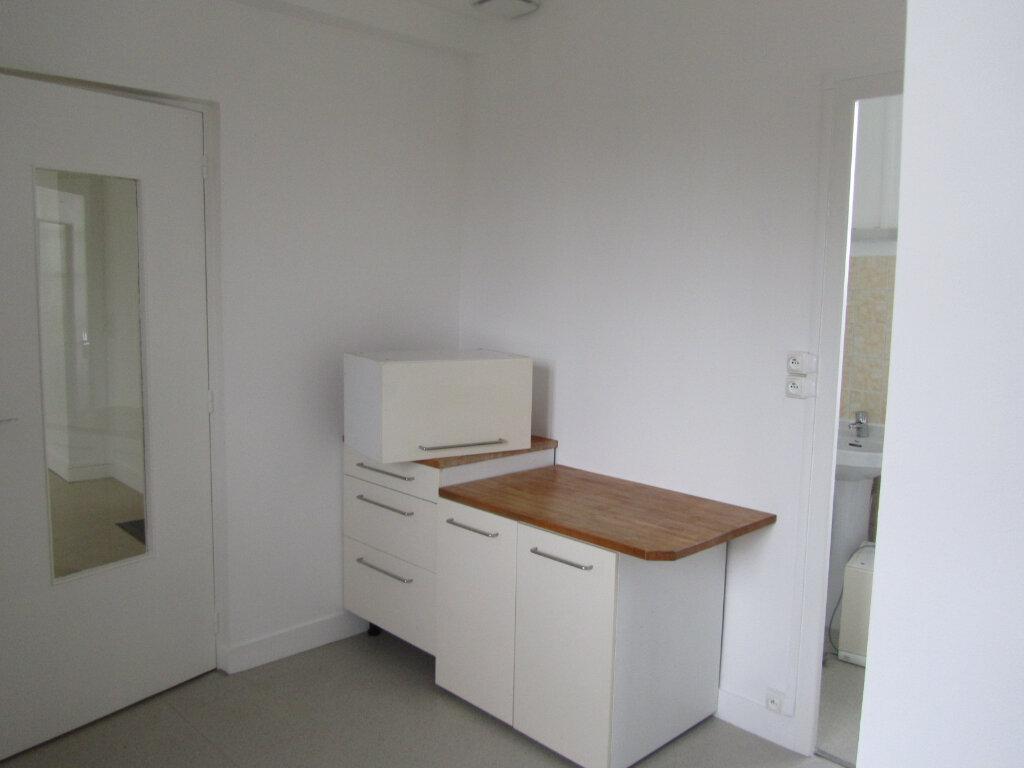 Appartement à louer 3 70m2 à Conches-en-Ouche vignette-5