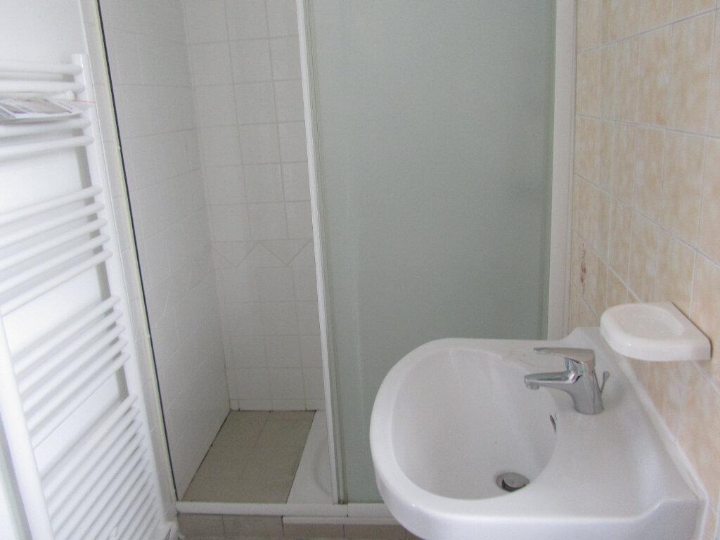 Appartement à louer 3 70m2 à Conches-en-Ouche vignette-6
