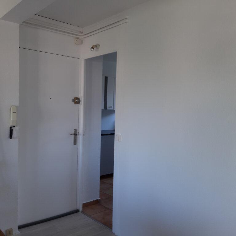 Appartement à louer 3 62.96m2 à Évreux vignette-2
