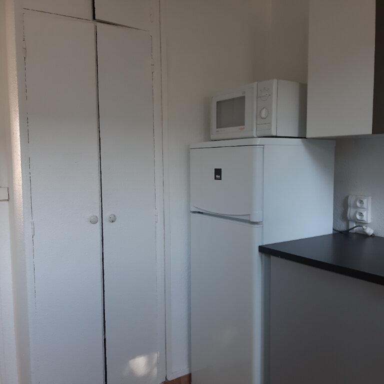 Appartement à louer 3 62.96m2 à Évreux vignette-6