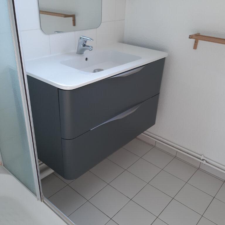Appartement à louer 3 62.96m2 à Évreux vignette-10
