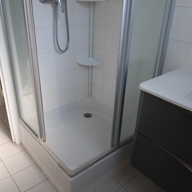 Appartement à louer 3 62.96m2 à Évreux vignette-11