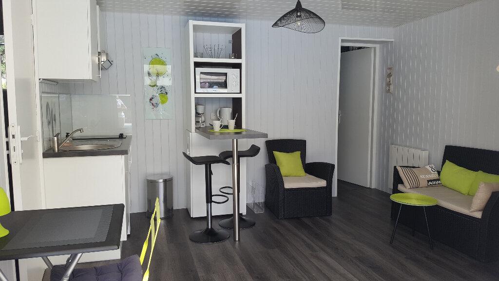 Appartement à louer 2 26m2 à Gradignan vignette-2